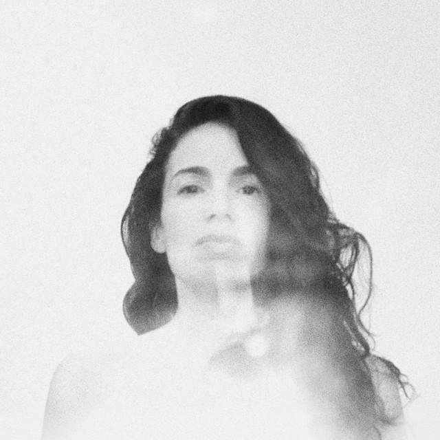 Yael Naim – She (Spotify)