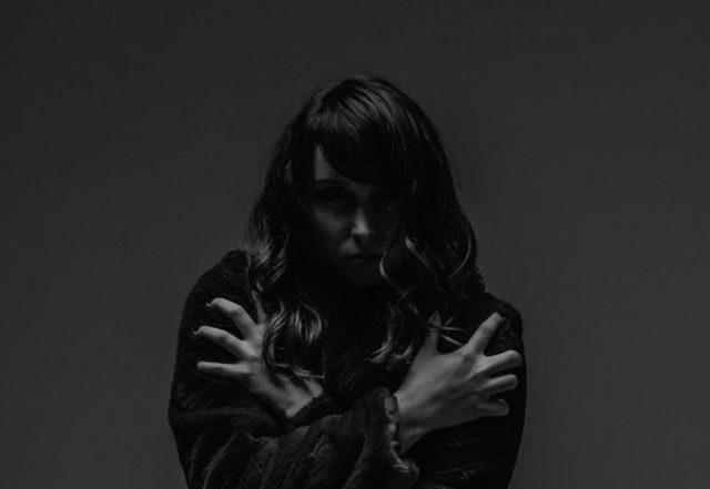 Lainey Dionne - Skin (Spotify)